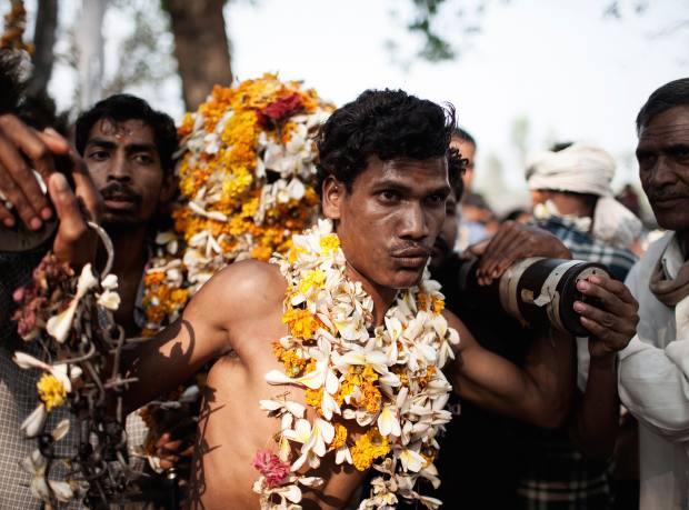 Shamans in trances during the Shivratri, at the market fair in Gobrahin