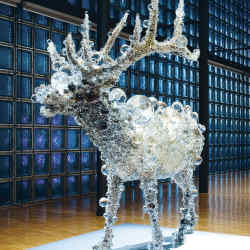 An exhibition by Kohei Nawa in the Forum gallery of Hermès Ginza in Tokyo.