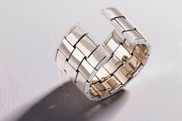 Vhernier white-gold and diamond Giunco bracelet, POA