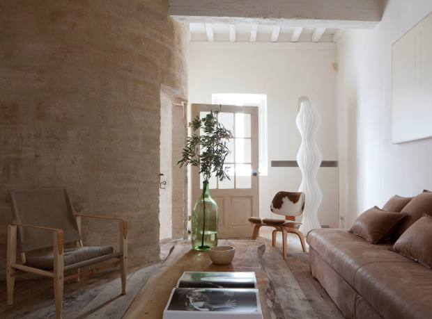 AM Designs created this Provençal interior