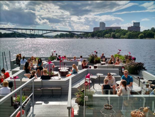 Floating bar-café Mälarpaviljongen has lovely cityscape views