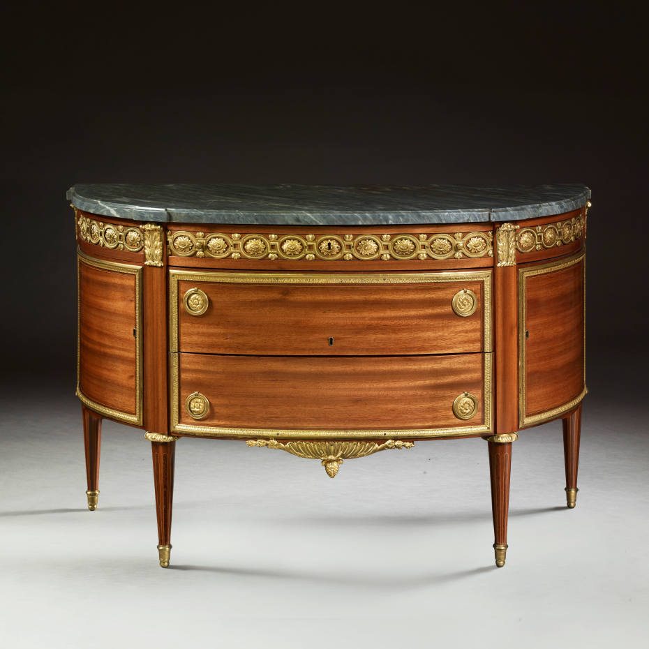 Christian Liaigre suggests that this Louis XVI period chest of drawers (€30,000-€50,000) would look good with primitive artwork