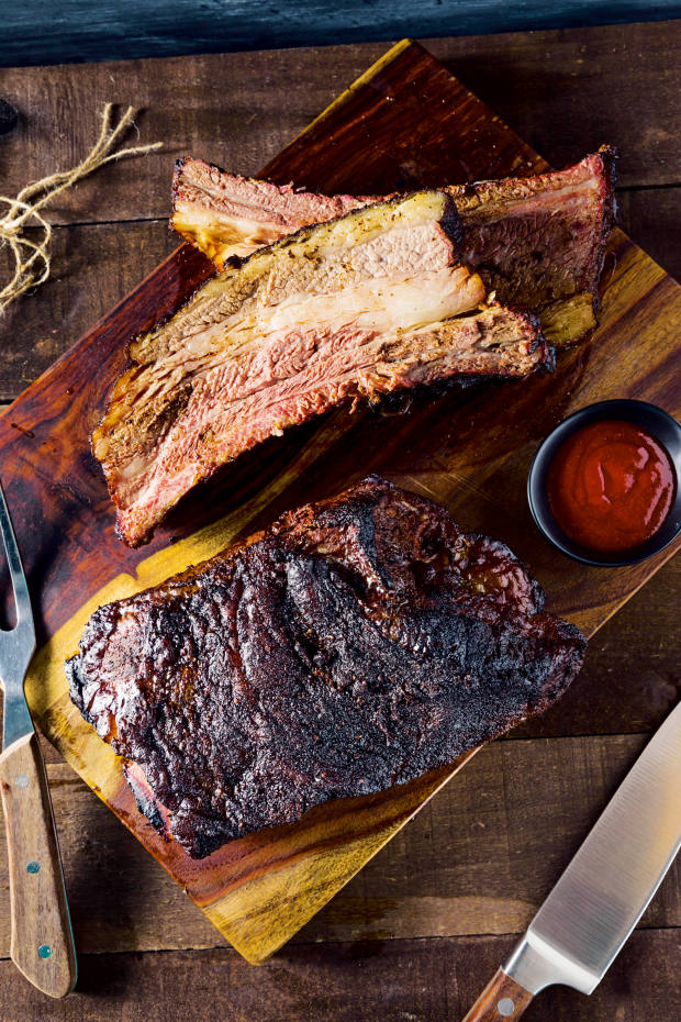 Smoked beef ribs with barbecue sauce
