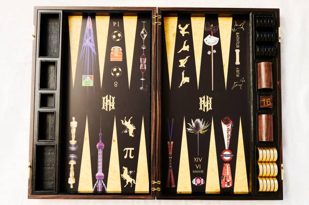 The personalised backgammon board von Halle gave her husband Hugo one Christmas