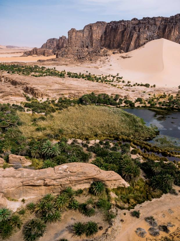 Flying over the Anoa Oasis