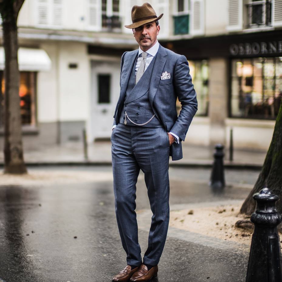 Alexander Kraft wears Cifonelli bespoke three-piece suit 280dedf71446