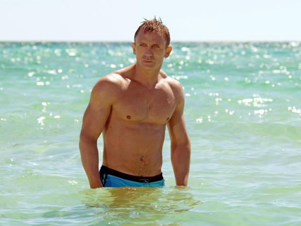 2006: Daniel Craig makes wavesin La Perla in CasinoRoyale