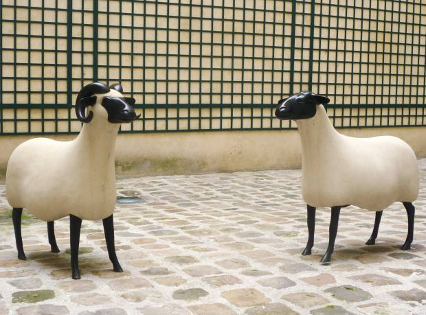Les Nouveaux Moutons, Brebis, 1994, by François-Xavier Lalanne