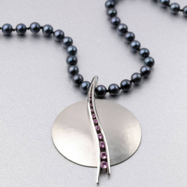 Roger Billcliffe exhibits a range of jewellery makers from Scotland and abroad.