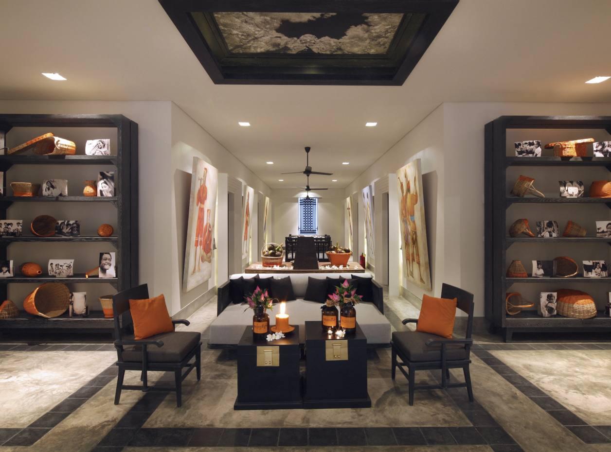 A lounge area at Shinta Mani Club