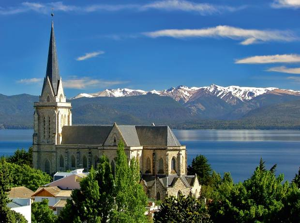 Tthe Lake District around San Carlos de Bariloche is Argentina's favourite mountain holiday redoubt