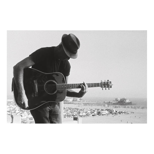 A busker in Santa Monica, California. Taken by the author using a Leica IIIa