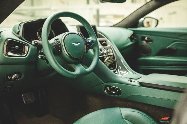 The finish is complemented by a Q collection carbon-fibre body pack and an interior trimmed in special Eifel Green Caithness leather, with headrests hand-embroidered with the Classic Driver logo
