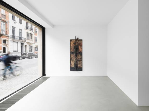 New work by Ruby is displayed in Hufkens' latest Brussels space