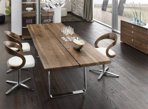 The Nox table with Girado chairs, also from Team 7. Other wood options are alder, beech, cherry, maple and oak