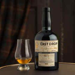Lochside Single Grain 1972 whisky has notes of nectarine and wet bracken