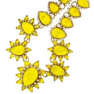 Oscar de la Renta necklace in resin and crystal, £600