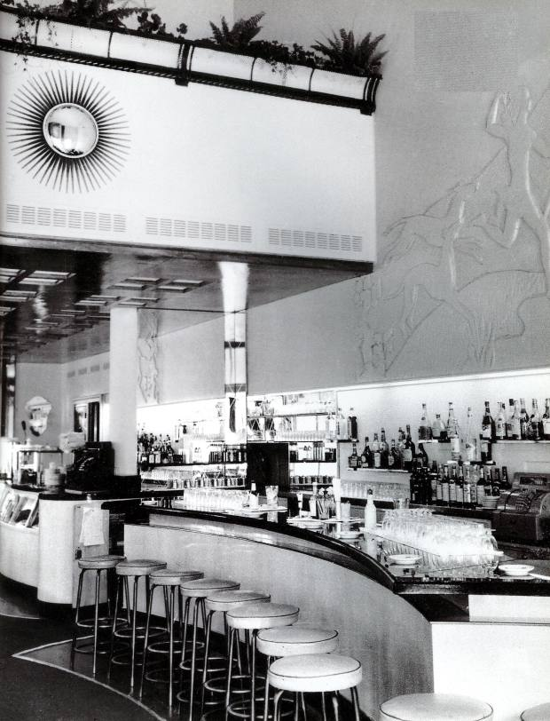 Le Relais Plaza restaurant in 1937 – the art deco interior was inspired by the SS Normandie