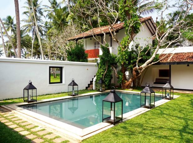 The pool at Villa Bentota.