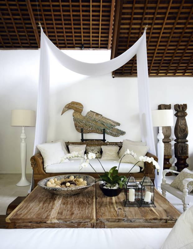 An airy day room at Oazia Spa Villas.