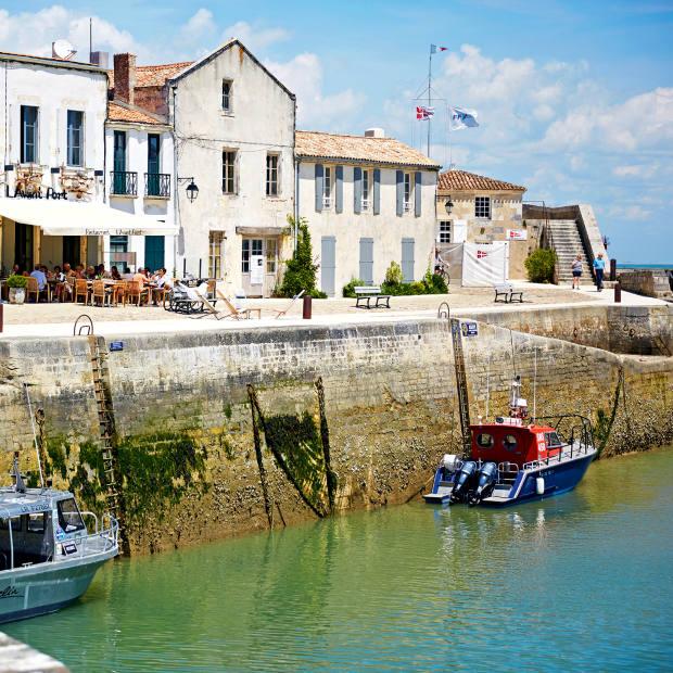 Saint Martin-de‑Réharbour is ringed withrestaurants serving traditional cuisine