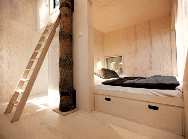 Inside Treehotel's Mirrorcube suite