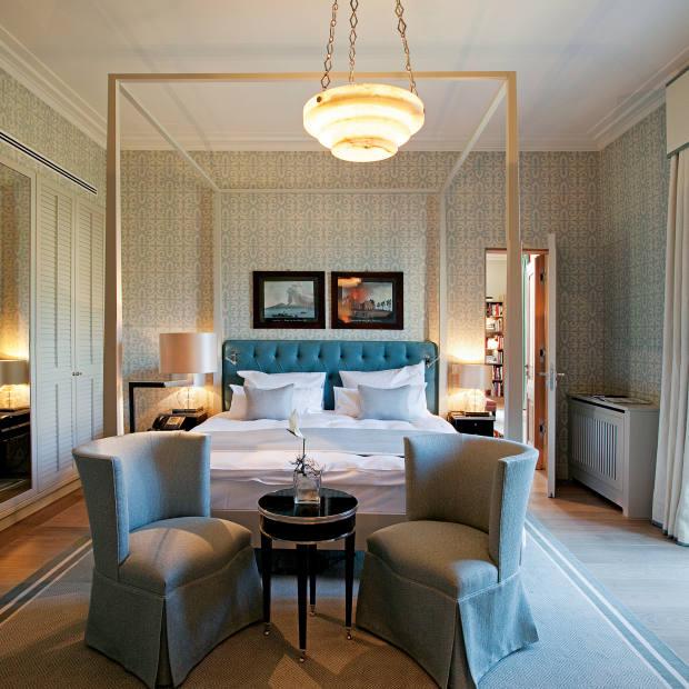 A double room at Villa Stéphanie