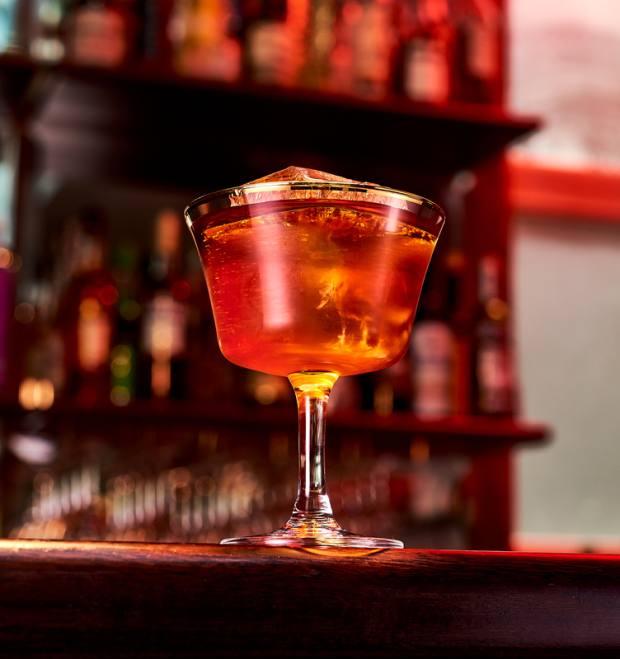 Covent Garden's Henrietta Hotel is offering a cocktail masterclass
