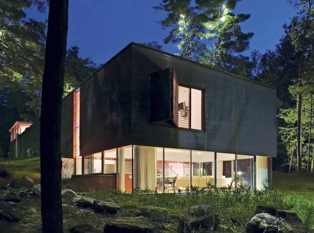 Peter Gluck's inverted guest house at Lake George, New York state