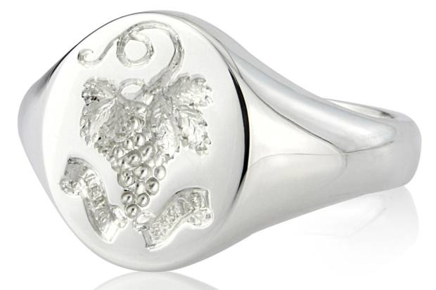 A stylish grapevine motif has been used to personalise this signet ring