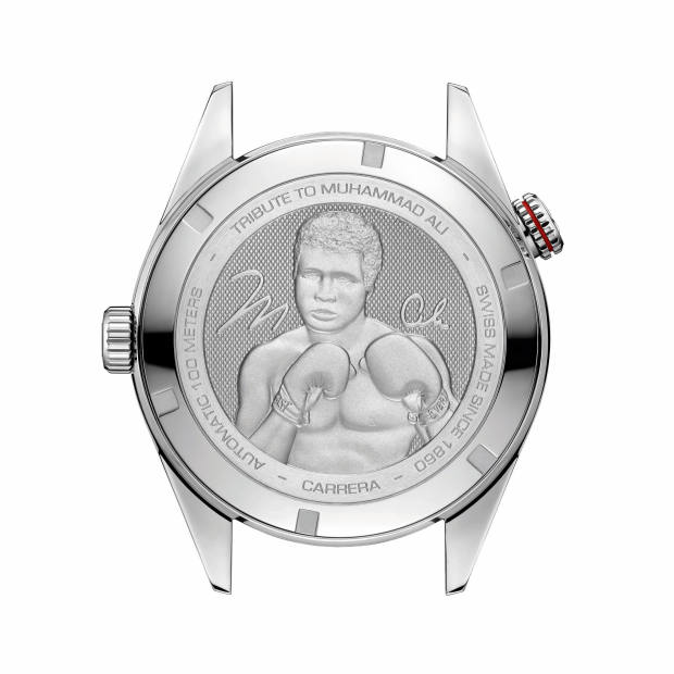 The caseback pays tribute to the boxing legend
