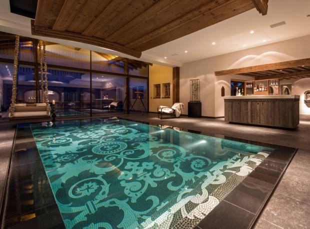 The disappearing pool at Les Trois Couronnes, Verbier