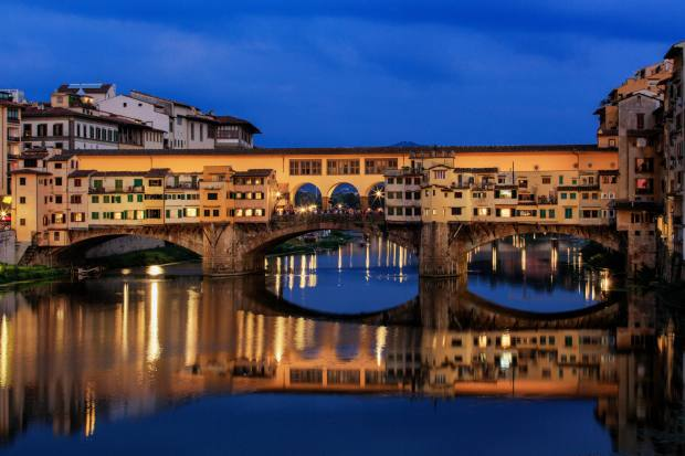 Hotel Savoy is close to the Ponte Vecchio