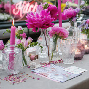 The Social Kitchen table setting, among the latest dinner party trends to be studied at The Hostess With The Mostess masterclass