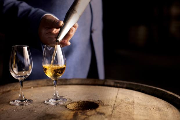 Midleton Very Rare Cask Circle members select their limited edition blend from a shortlist of 30 casks, chosen by master distiller Brian Nation