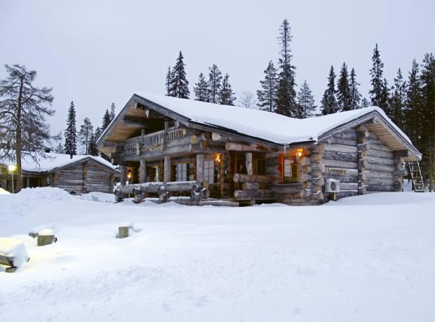 Salonki luxury log cabin.