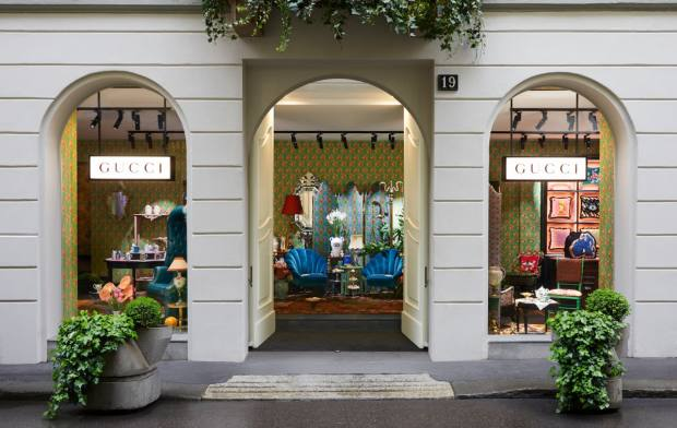 The Décor store is situated on the Via Santo Spirito in Milan