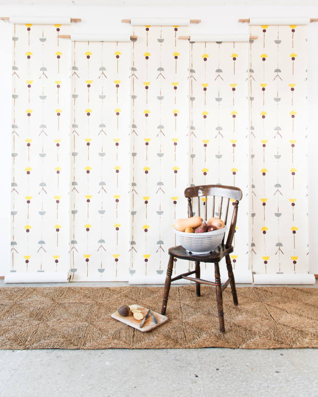 Hopton's Bird Feet design on wallpaper