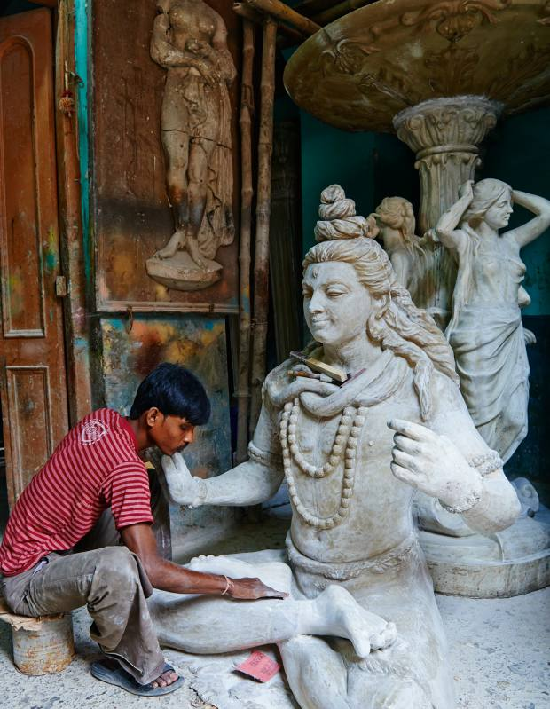 Making a clay idol of Lord Shiva