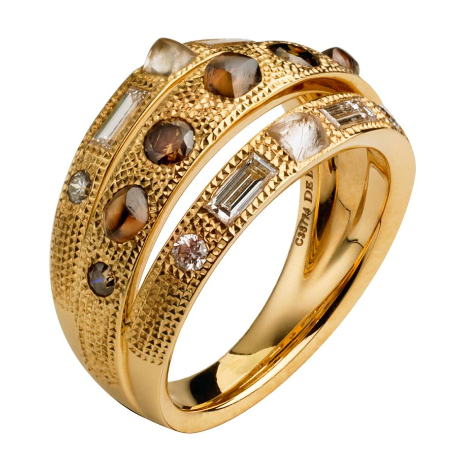 De Beers Talisman ring in yellow gold with diamonds, £8,900