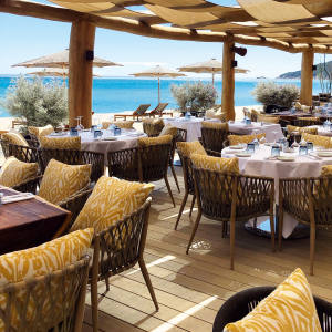 St Tropez's Hôtel Byblos kicks off the season with a prime beach-club concession