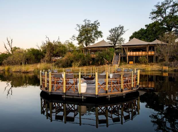 DumaTau Camp's walkway and star deck on the Osprey Lagoon