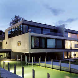 Schooren by Peach Property Group consists of nine desirable apartments on Lake Zürich's Gold Coast.