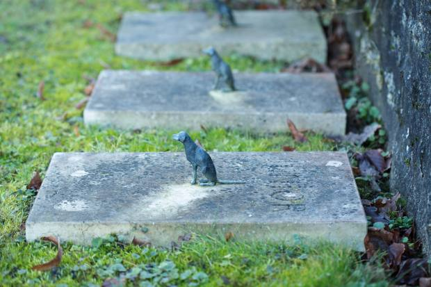 The bronze canines on the graves show how close Givenchy and Giacometti's relationship was