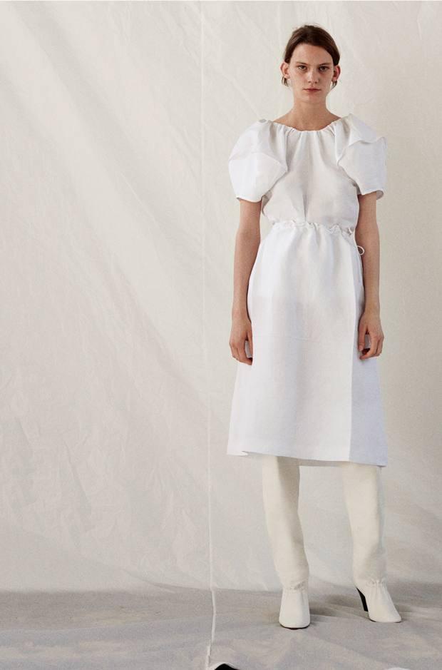 87fae233ce3d Elegant summer fashion with a rustic twist