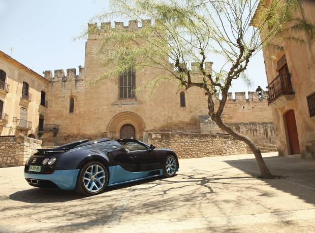 The Grand Sport Vitesse pulls up at the Monastery of Santes Creus, in Catalonia