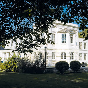 The grade I-listed pavilion on therestored Monkey Island Estate on the River Thames has rooms designed byAlexandra Champalimaud