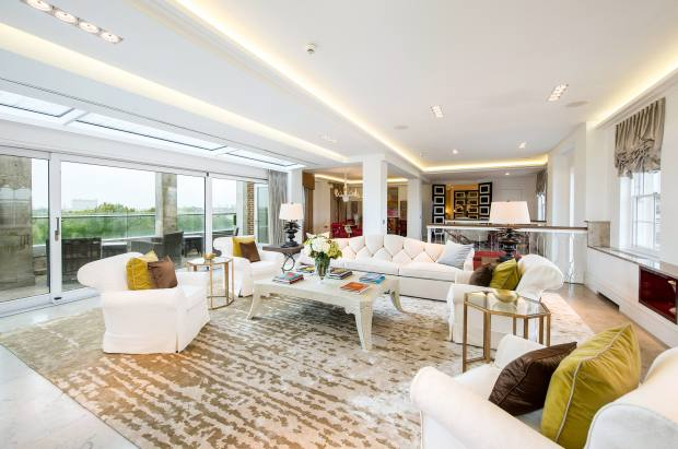A seven-bedroom penthouse on Park Lane, designed by Nicky Haslam, £25,000 per week through Knight Frank Mayfair