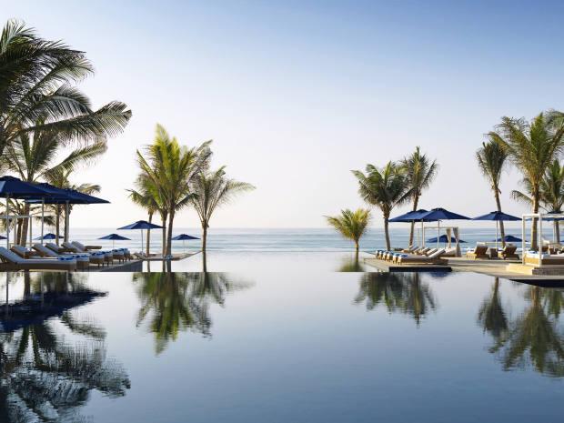 The vastinfinity pool at Anantara's Al Baleed Resort Salalah
