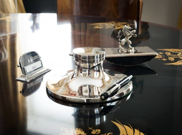 Tim Gosling's 1930s silver inkwell